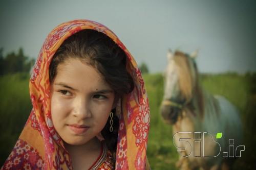 دختر و اسب