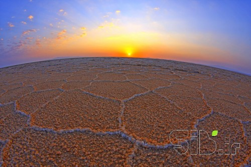 هگزاگونالد(هشت ظلعی ها)طلوع در دریاچه نمک مرنجاب